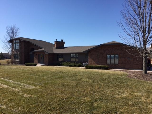 23000 S Wirth Lane, Frankfort, IL 60423 (MLS #09890344) :: Domain Realty