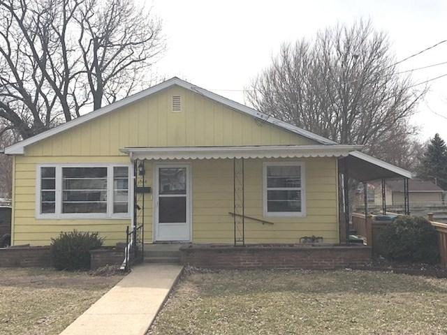 1306 W 4th Street, Dixon, IL 61021 (MLS #09890428) :: Key Realty