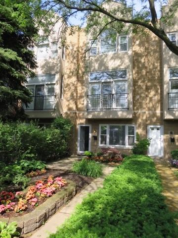 1214 W School Street, Chicago, IL 60657 (MLS #09890465) :: The Perotti Group
