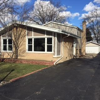 1351 S Highland Avenue, Arlington Heights, IL 60005 (MLS #09890577) :: The Jacobs Group