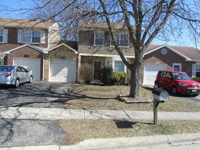 1435 Oxford Street, Carol Stream, IL 60188 (MLS #09890855) :: Littlefield Group