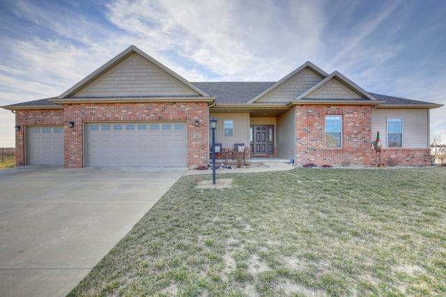 1901 S Orchard Drive, Mahomet, IL 61853 (MLS #09891203) :: The Jacobs Group