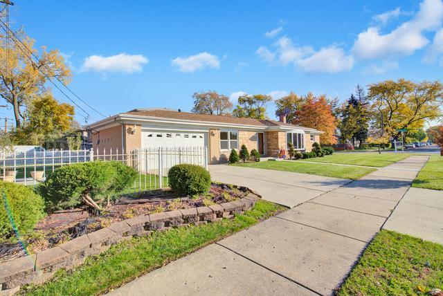 7601 Kenton Avenue, Skokie, IL 60076 (MLS #09891338) :: Domain Realty