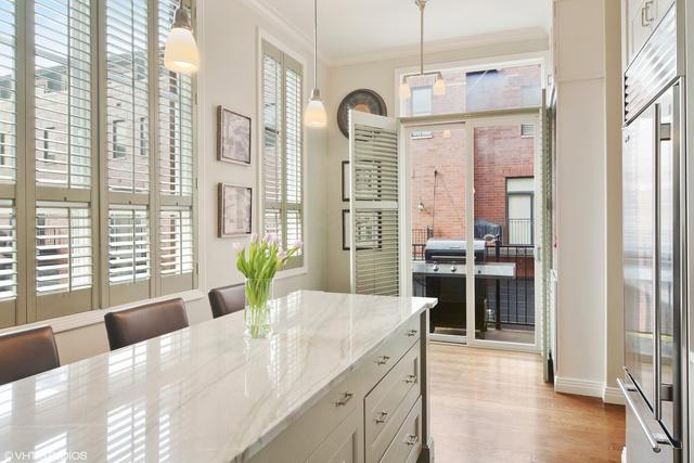 2614 N Hermitage Avenue, Chicago, IL 60614 (MLS #09891547) :: Property Consultants Realty
