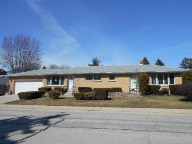 240 Country Club Drive, Northlake, IL 60164 (MLS #09891661) :: Domain Realty