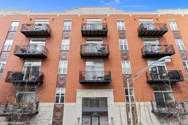 2342 W Bloomingdale Avenue #207, Chicago, IL 60647 (MLS #09891779) :: Property Consultants Realty