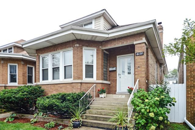 6139 W Barry Avenue, Chicago, IL 60634 (MLS #09892013) :: Domain Realty