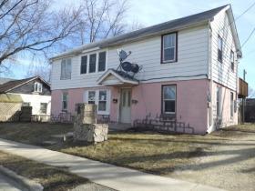 120&122 Cotton Avenue, Dekalb, IL 60115 (MLS #09892134) :: Domain Realty