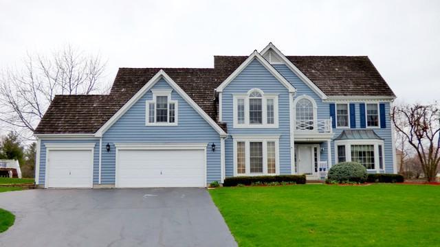 520 Stony Hill Lane, Crystal Lake, IL 60012 (MLS #09892147) :: Key Realty