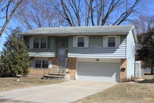 608 18th Avenue, Sterling, IL 61081 (MLS #09892256) :: Domain Realty