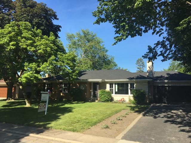 6540 N Keating Avenue, Lincolnwood, IL 60712 (MLS #09892346) :: Littlefield Group