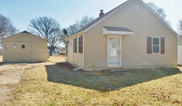 1734 North Street, Sterling, IL 61081 (MLS #09892801) :: Domain Realty