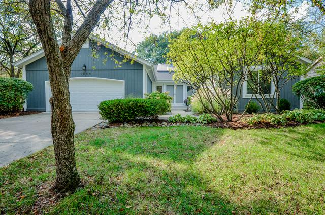 1944 Gladstone Drive, Wheaton, IL 60189 (MLS #09892826) :: The Jacobs Group