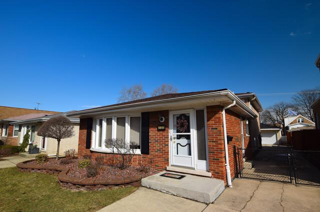 5333 S Rutherford Avenue, Chicago, IL 60638 (MLS #09892845) :: Littlefield Group