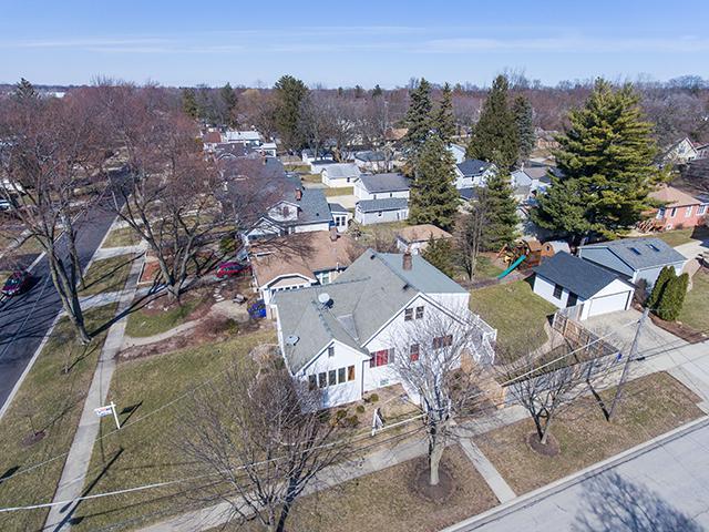 401 Lyon Avenue, Wheaton, IL 60187 (MLS #09893014) :: Domain Realty