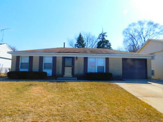 717 E Schaumburg Road, Streamwood, IL 60107 (MLS #09893105) :: Littlefield Group
