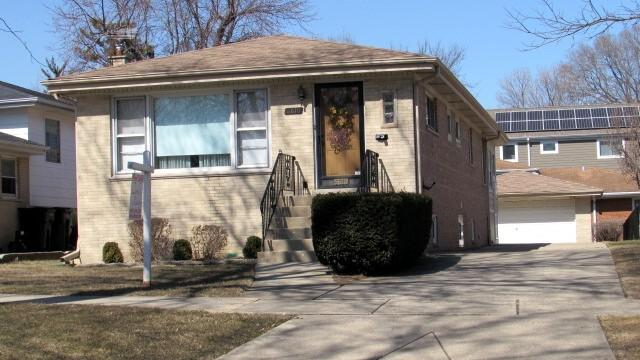 6810 W Thorndale Avenue, Chicago, IL 60631 (MLS #09893298) :: Littlefield Group