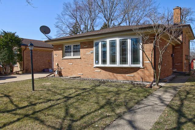 8840 Moody Avenue, Morton Grove, IL 60053 (MLS #09893414) :: Domain Realty