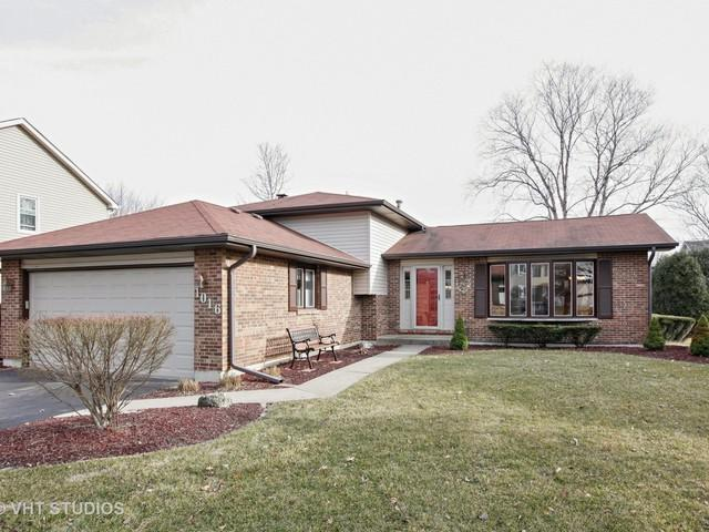 1016 Hyde Park Lane, Naperville, IL 60565 (MLS #09893519) :: Helen Oliveri Real Estate