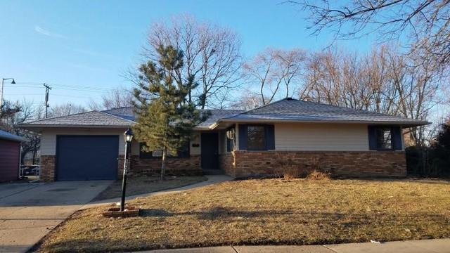 3903 Seward Avenue, Rockford, IL 61107 (MLS #09894006) :: Littlefield Group