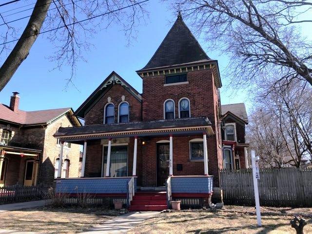 465 Douglas Avenue, Elgin, IL 60120 (MLS #09894117) :: Littlefield Group