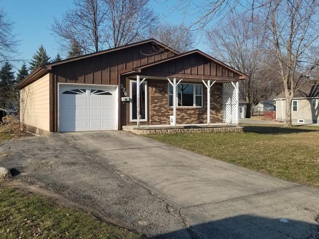 526 W 10th Street, Rock Falls, IL 61071 (MLS #09894184) :: Domain Realty
