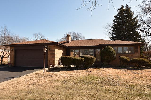10923 S Keeler Avenue, Oak Lawn, IL 60453 (MLS #09894245) :: Littlefield Group