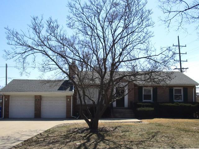 1402 E Evergreen Street, Wheaton, IL 60187 (MLS #09894430) :: Domain Realty