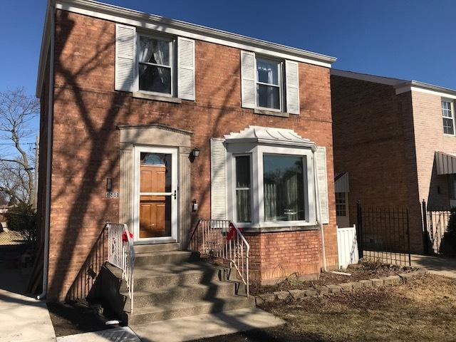 6250 W Eastwood Avenue, Chicago, IL 60630 (MLS #09894443) :: Domain Realty