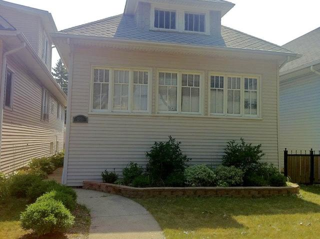 2231 Harvey Avenue, Berwyn, IL 60402 (MLS #09894496) :: Domain Realty