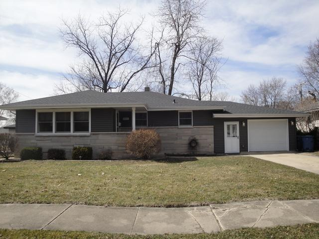 8952 Pettit Drive, Highland, IN 46322 (MLS #09897113) :: Lewke Partners
