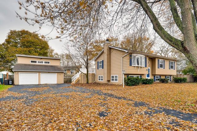 1903 Fairfield Road, Lindenhurst, IL 60046 (MLS #09898547) :: The Jacobs Group