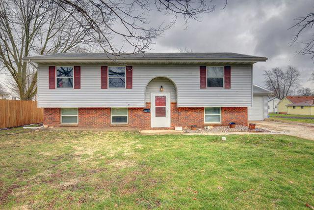 909 N West Street, Le Roy, IL 61724 (MLS #09899781) :: Ani Real Estate