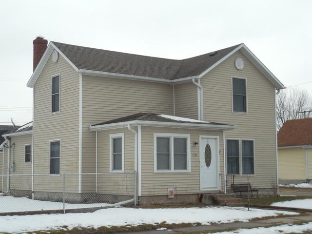 1921 4th Street, Fulton, IL 61252 (MLS #09900346) :: Lewke Partners