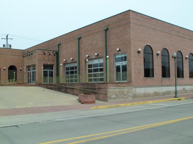 124 Illinois Avenue - Photo 1