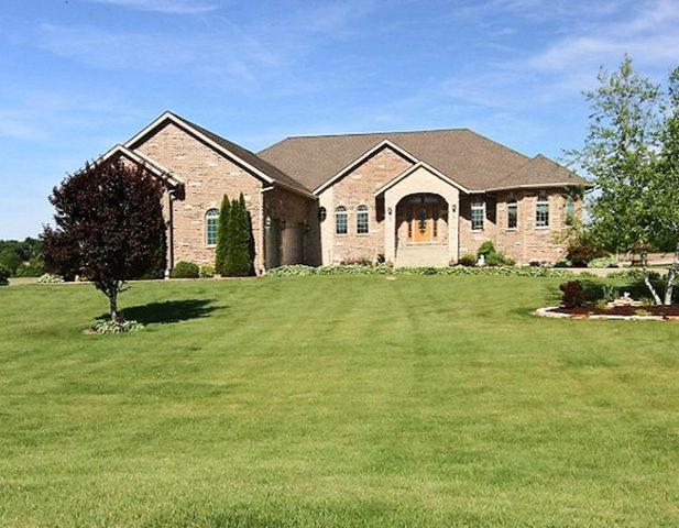 13914 Patterson Road, Durand, IL 61024 (MLS #09902402) :: Lewke Partners