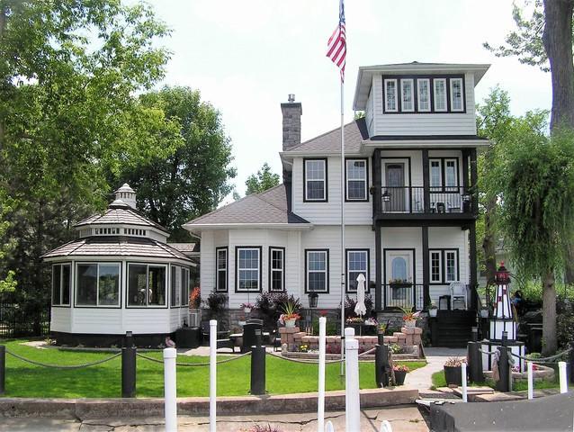 35 Lakeside Lane, Fox Lake, IL 60020 (MLS #09902542) :: The Jacobs Group