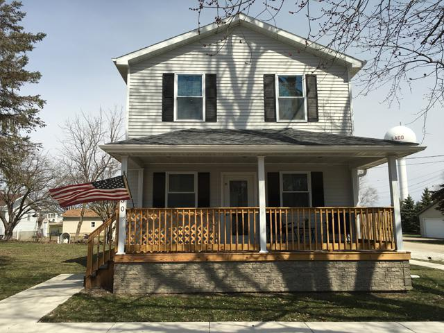 130 E Chestnut Street, Ladd, IL 61329 (MLS #09902767) :: The Dena Furlow Team - Keller Williams Realty