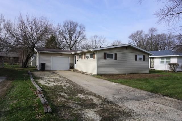 1215 Paula Drive, Champaign, IL 61820 (MLS #09903470) :: Lewke Partners