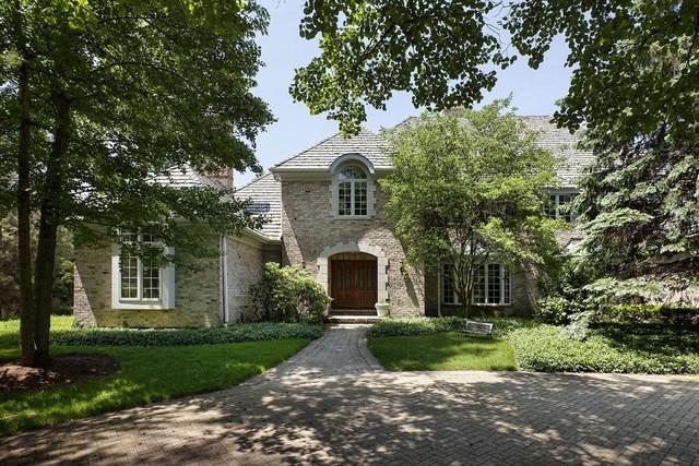 4 Bristol Road, Northfield, IL 60093 (MLS #09906559) :: Helen Oliveri Real Estate