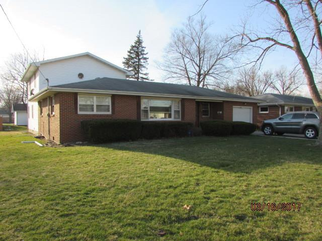 545 S Guthrie Street, Gibson City, IL 60936 (MLS #09908551) :: Ryan Dallas Real Estate