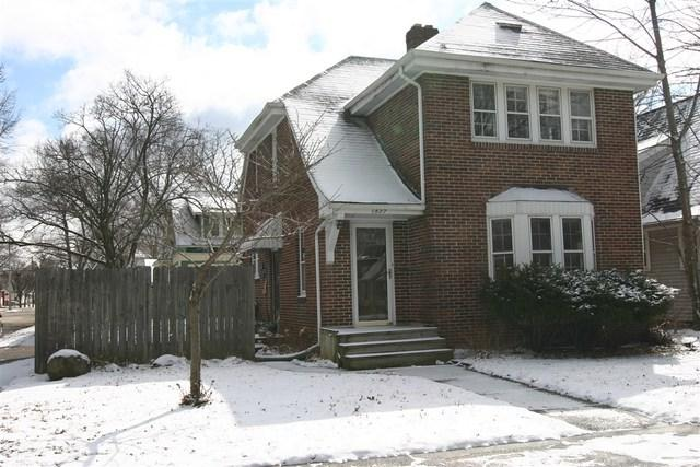 1827 N Church Street, Rockford, IL 61103 (MLS #09909138) :: Lewke Partners