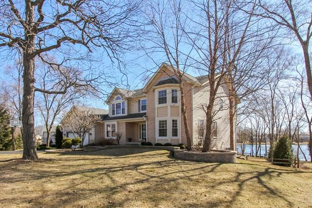519 Tulip Circle, Island Lake, IL 60042 (MLS #09909541) :: Lewke Partners