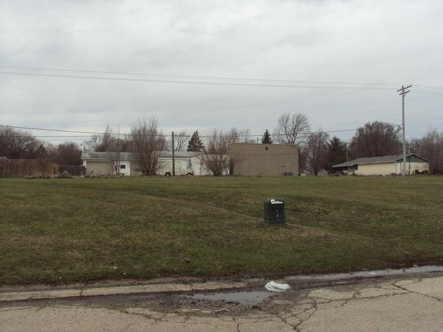202 Keystone Drive, Rantoul, IL 61866 (MLS #09911473) :: The Dena Furlow Team - Keller Williams Realty
