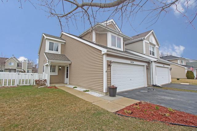 1434 S Pembroke Drive, South Elgin, IL 60177 (MLS #09911835) :: MKT Properties | Keller Williams