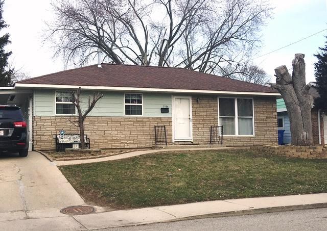 2106 Tepee Avenue, Carpentersville, IL 60110 (MLS #09913359) :: The Jacobs Group