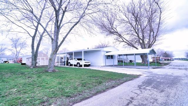 107 The Oaks, TOLONO, IL 61880 (MLS #09913731) :: Littlefield Group