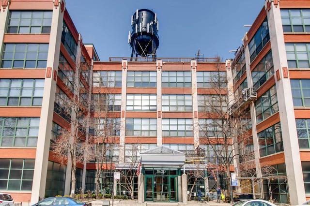 1800 W Roscoe Street #313, Chicago, IL 60657 (MLS #09914175) :: MKT Properties | Keller Williams