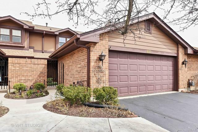 957 White Birch Lane, Westmont, IL 60559 (MLS #09915466) :: The Jacobs Group