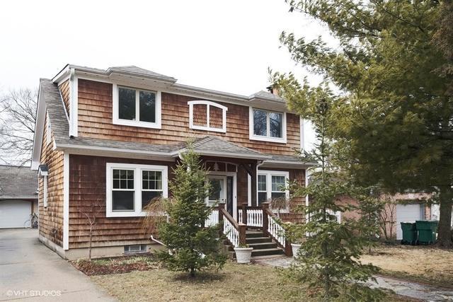 258 Lagoon Drive, Northfield, IL 60093 (MLS #09915759) :: Helen Oliveri Real Estate